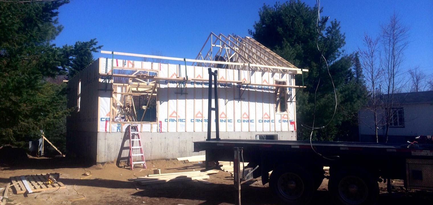 Construction maisons drummondville denis filiatreault for Achat de maison sans mise de fond